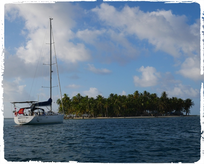 Behind the reefs of San Blas, real anchorage paradise…