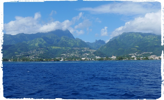 Papeete – Tahiti as you see it when you approach from the sea