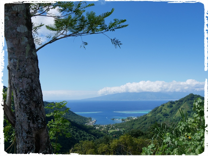 And reward is the great view towards Tahiti!